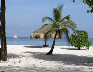 Five Reasons to Move to Roatan, Honduras