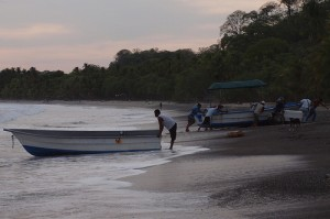 Playa Samara, Costa Rica: Fishing Village Life