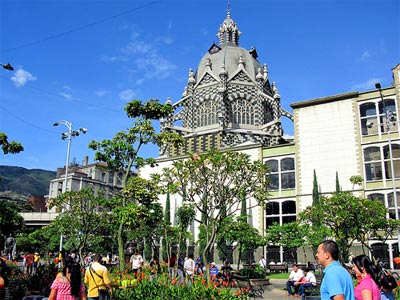 Medellin, Colombia: Perfect Climate, Low Property Prices