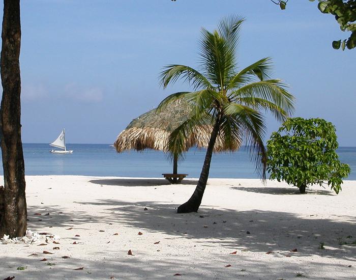 Five Reasons to Move to Roatan, Honduras