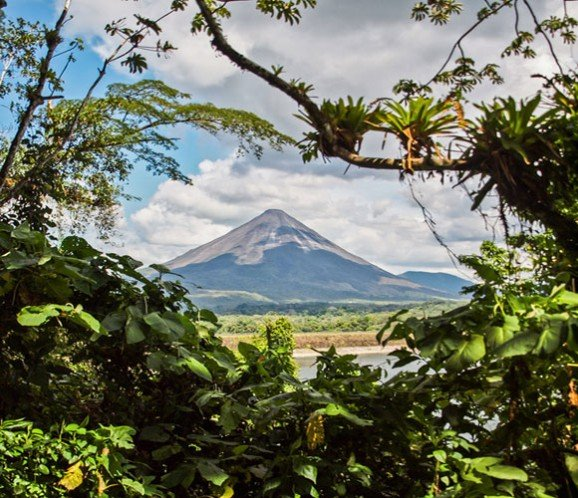 lake-arenal-volcano