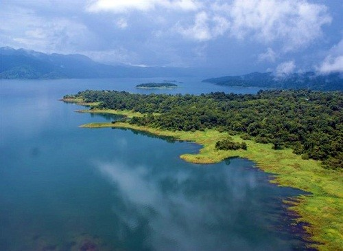 Living in a Lakeside Paradise: Chill in Costa Rica's Lake County