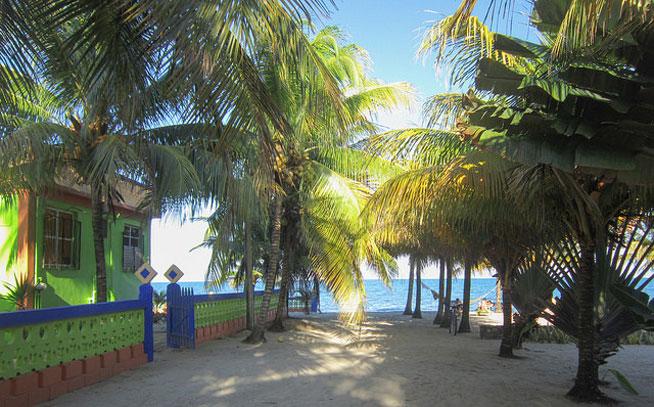 Hopkins, Belize Moving Overseas