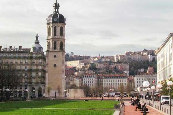 Lyon-2