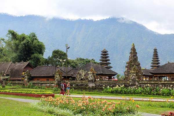 Pura Ulun Danu Bratan Temple, Bratan Lake, Bali