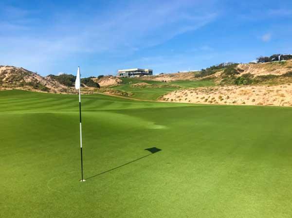 golf in Vung Tau Vietnam