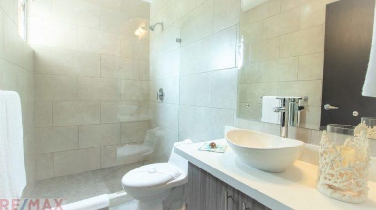 Ciudad del Mar Bathroom