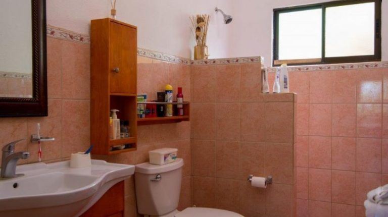 Herradura Beach Home Bathroom