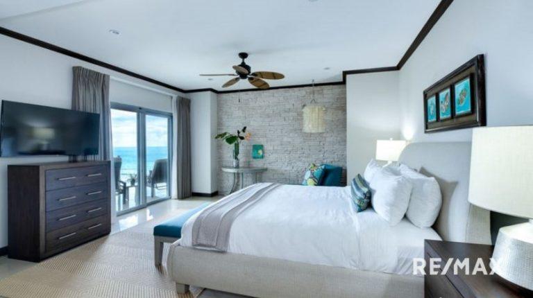 Diamante-Del-Sol-Penthouse-For-Sale-Jaco-Master Bedroom