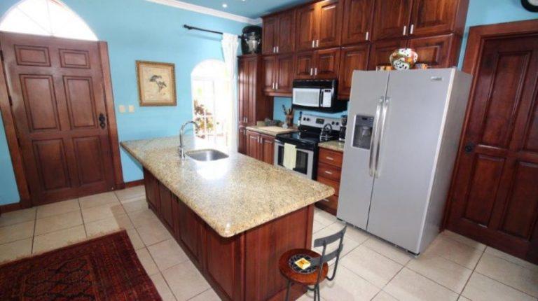 Bejuco Beach Home Kitchen