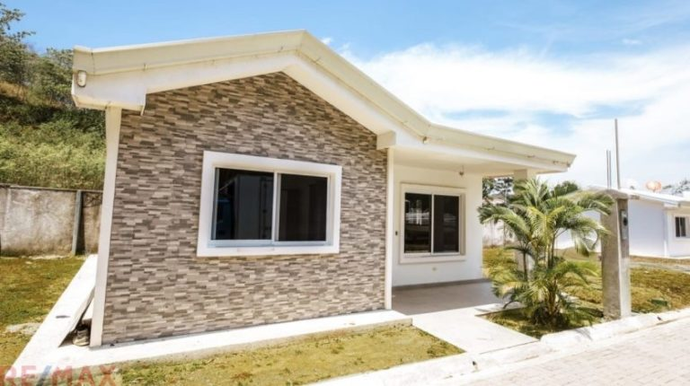 New-affordable-homes-Jaco-Beach-Exterior
