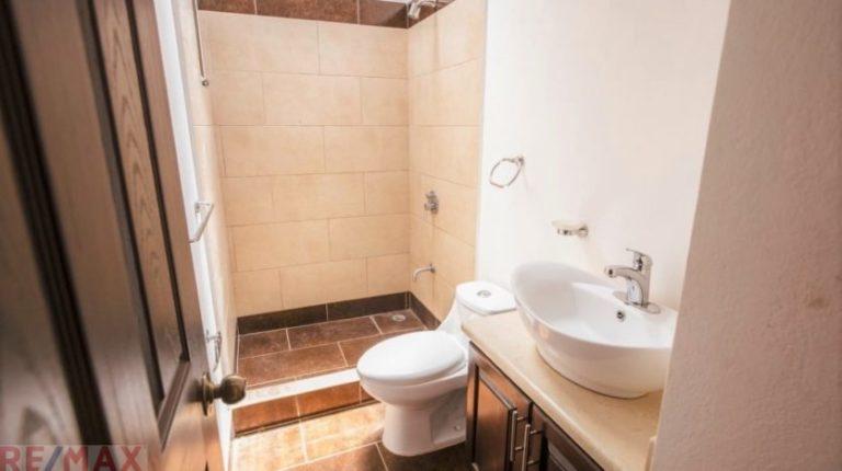New-affordable-homes-Jaco-Beach-Bathroom