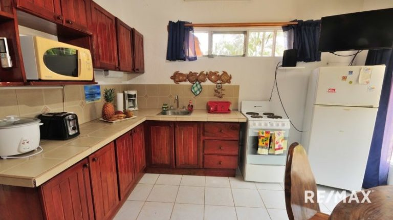 Paradise-Condo-Jaco-Beach- Kitchen