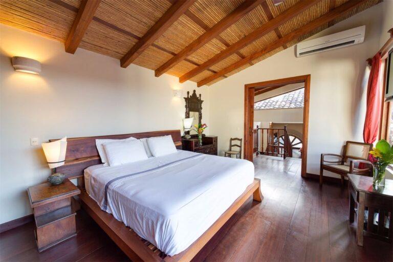 bedroom in granada