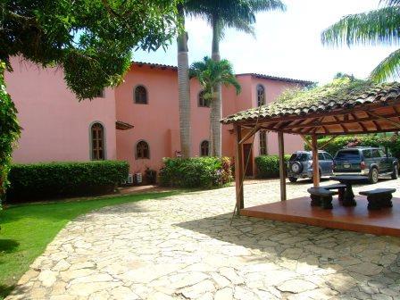 Laguna de Apoyo courtyard