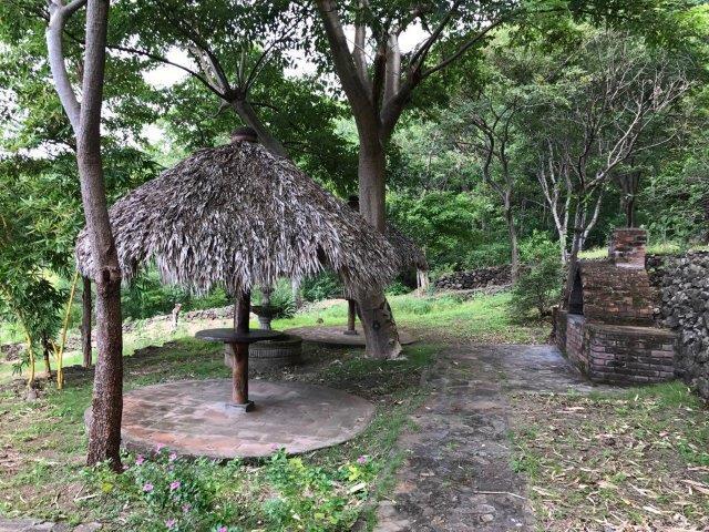 Laguna De Apoyo garden