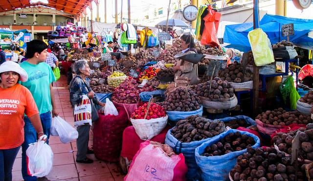 market in Peru