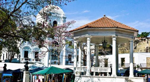 panama-casco-viejo-plaza