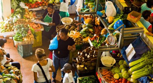 Locals browse Penonome's fruit and veg market