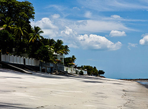The beaches in Coronado are a mix of bright white and glittering black volcanic sand.