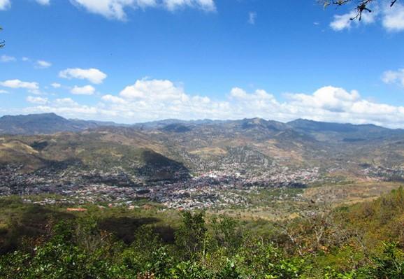 生活在尼加拉瓜–住在豪华别墅一周工作三天