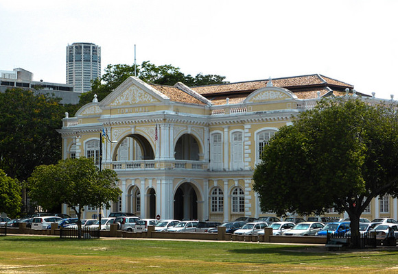 Penang's rich cultural heritage is evident in the city's eclectic mix of British Colonial buildings (like the town hall pictured), Chinese mansions and temples, Indian mosques, as well as Siamese and Burmese temples.