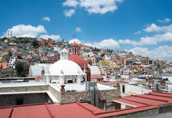 The steep callejones (alleys) and the elevation (7,000 feet) make Guanajuato an ideal place to live a life free of a car. Hiking to the top of the city is an easy way to exercise and the views are well worth it.