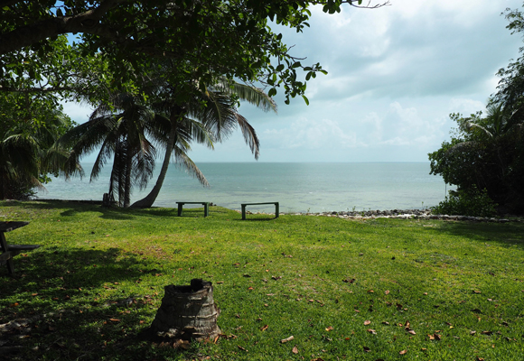 Consejo Shores is a tranquil bedroom community that appeals to expats. Parks are scattered along its attractive coastline.
