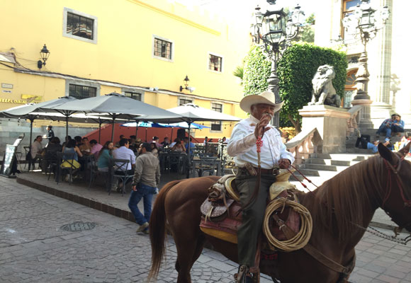 This pedestrian-only street in Guanajuato sometimes welcome horses too.