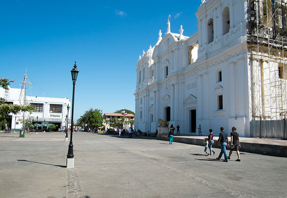 """With a population of 100,000, León is Nicaragua's """"second"""" colonial city. León has more of an authentic Nicaraguan feel and has yet to be discovered by the masses with only a small permanent expat population."""