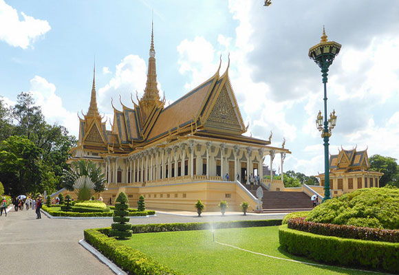 Cambodia offers some of the most affordable living in Southeast Asia. It is also easy to obtain long-term visas here making Cambodia one of the easier places to retire to.