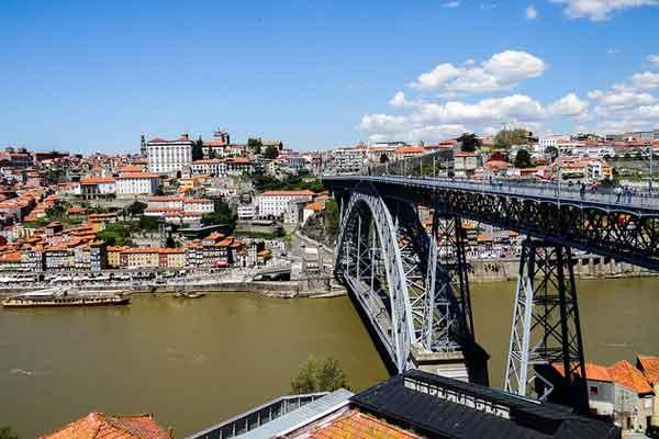 Retire in Porto