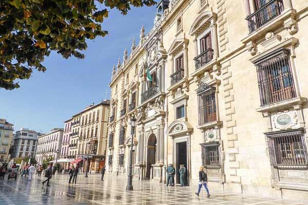 Lifestyle-in-Granada-Spain