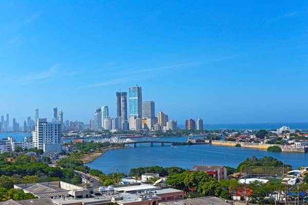 Explore-the-Walled-City-of-Cartagena