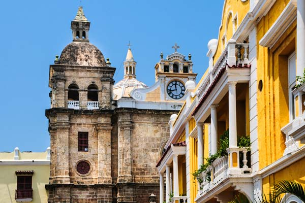 Visit-the-Churches-of-Cartagena