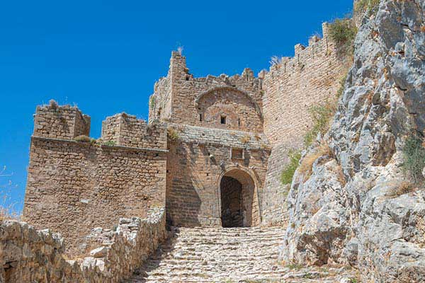 7)Visit the Ruins of the Volos Castle
