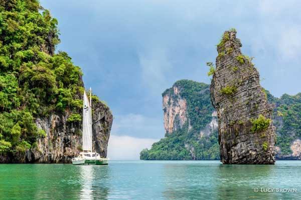 Enjoy a Boat Trip Through the Bay
